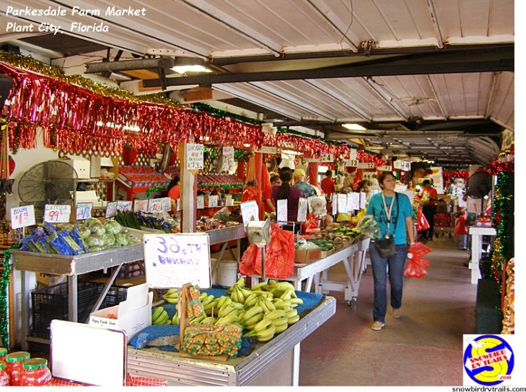 Inside Parkesdale Farm Market, Plant City, FL