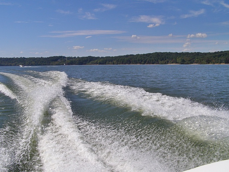 Boating on Lake Monroe - A beautiful day