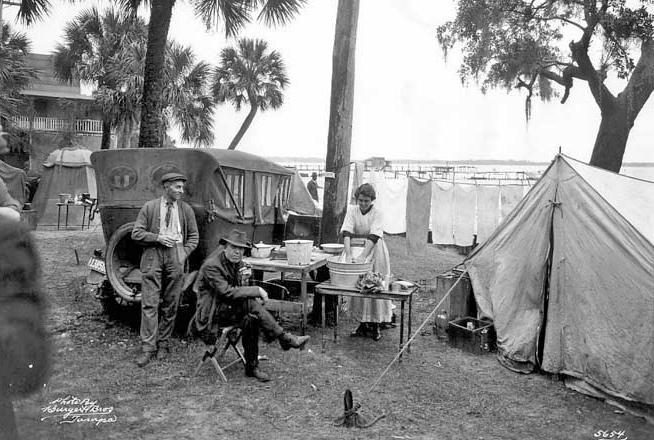 Tin Can Tourists Christmas Day 1920